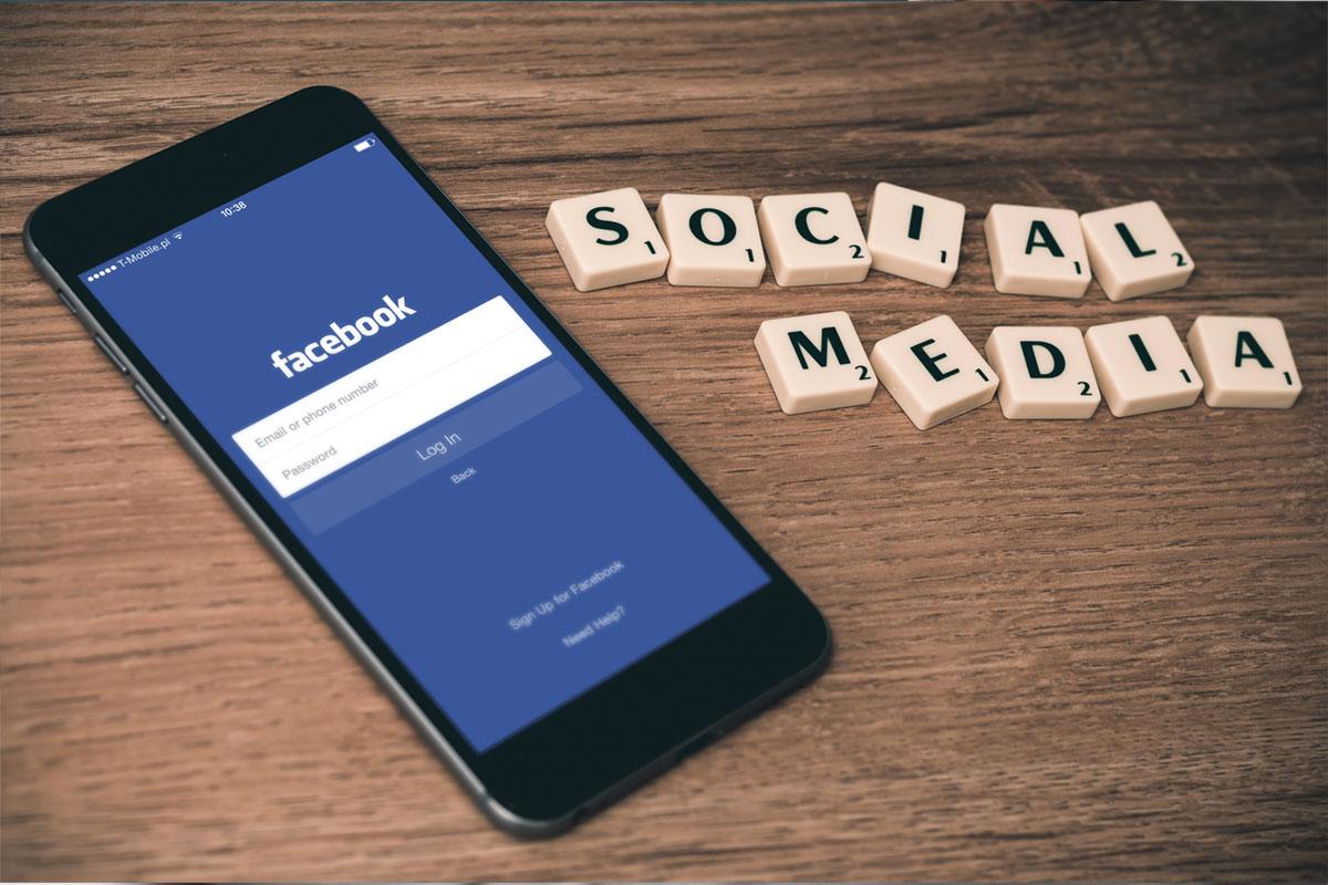 Reseaux-Sociaux-Facebook-Community-Management